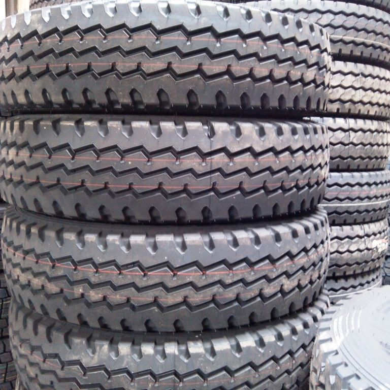 China truck tire bulk wholesale price 10.00R20