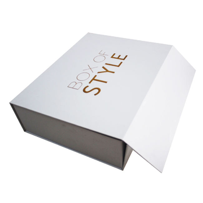 MOQ500 pcs White Rigid Cardboard Packaging Magnetic Closure Shoe Boxes High End Collapsable Flat Packed Magnetic Paper Gift Box
