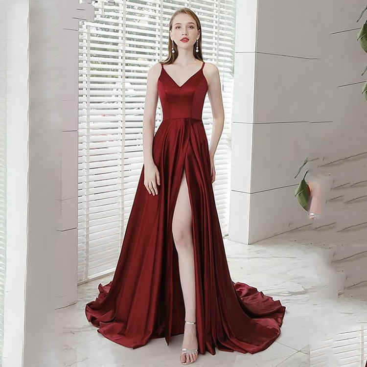 2020 OEM Fashion trend Custom logo women lady clothing Red Plus size elegant halter satin slip dress satin slip dress