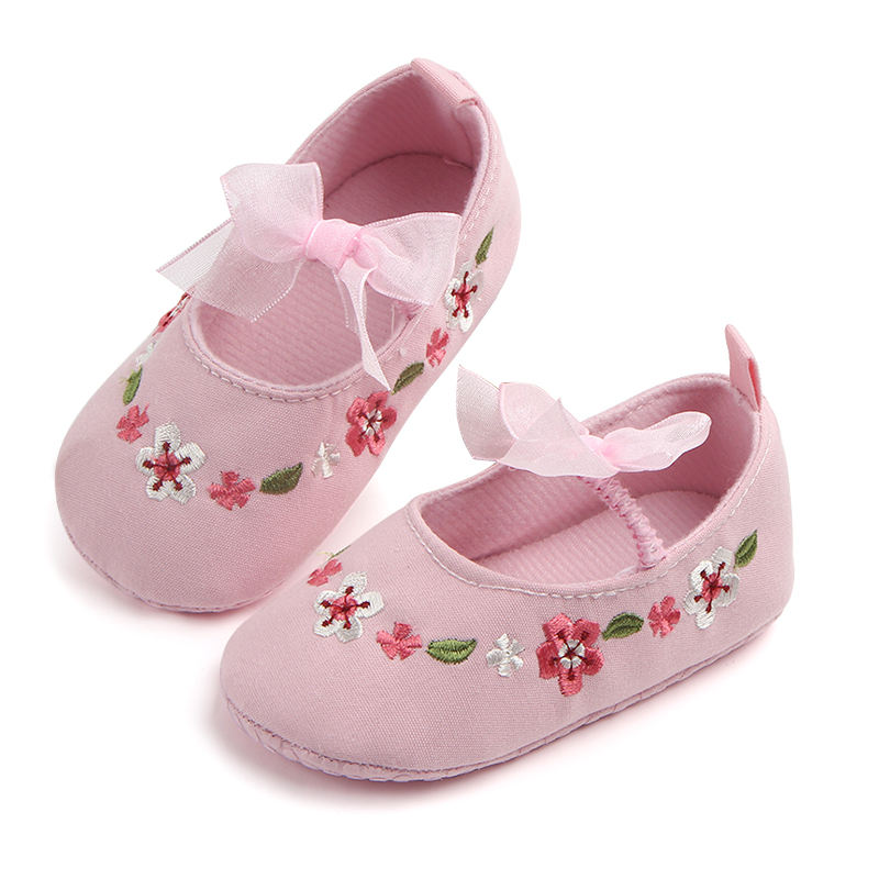 Manufacturers newborn infant baby girl embroidery flower shoes