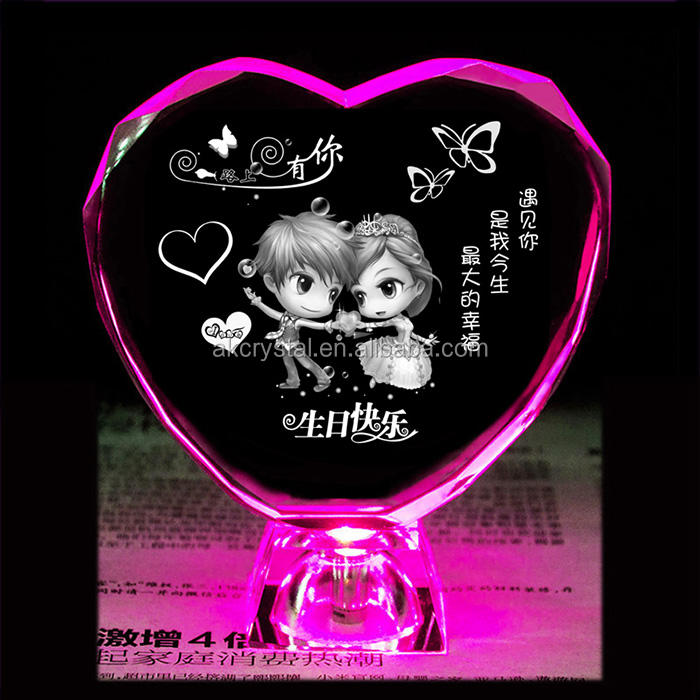 Wholesale Wedding Favors 3D Laser Engraved Crystal Glass Heart Gifts With Led Light Base