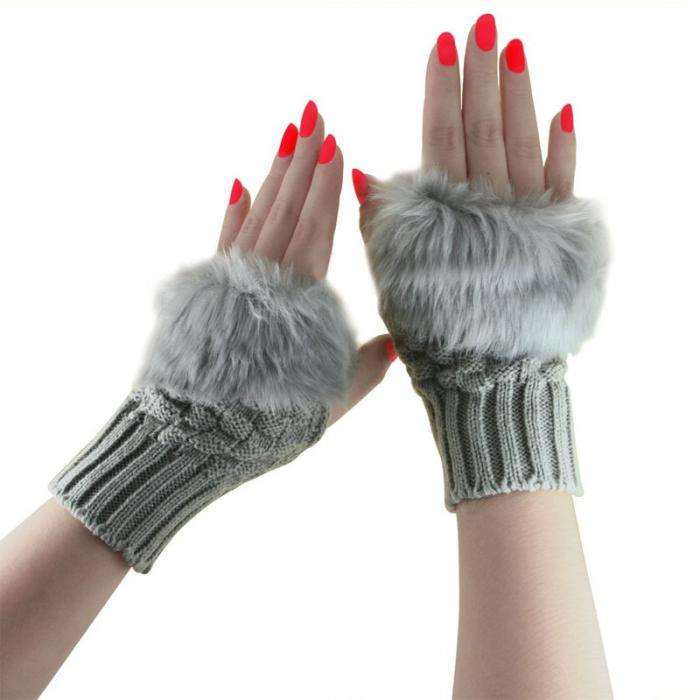 2020 Winter Gloves Female Fingerless Gloves Without Fingers Pompom Faux Fur Wrist Mittens Knitted Gloves