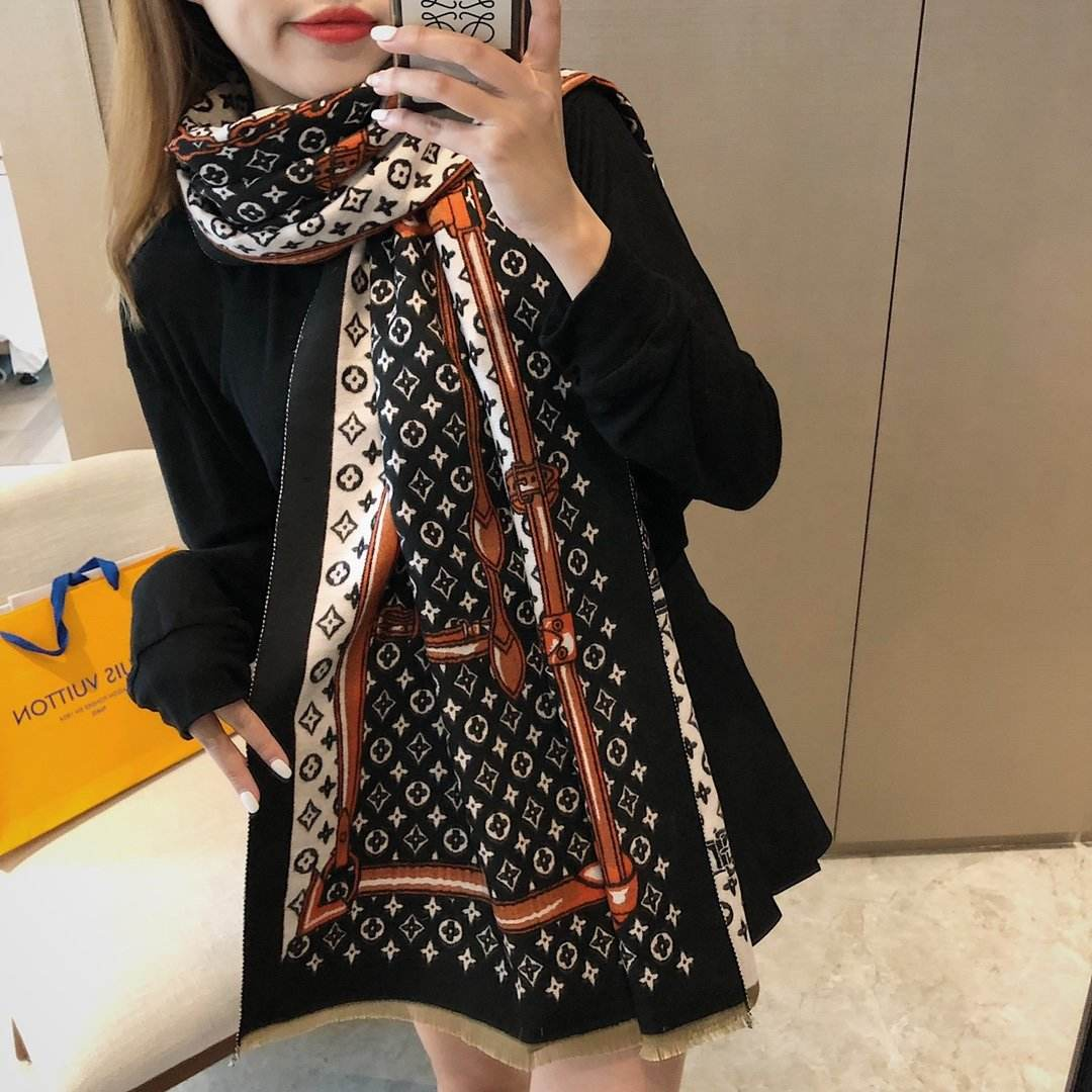 2020 European and American brand autumn/winter scarf L home style shawl cashmere warm and thick dual purpose scarf