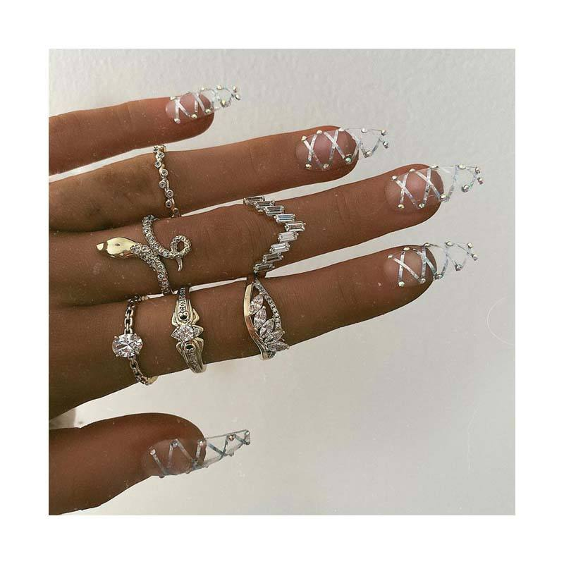Individual fashion restoring ancient ways decorative pattern snakelike ring set diamond V joint ring for women jewelry ring