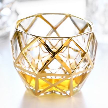 High Quality Colored Embossed Diamond Whisky Glass Crystal Glass Ware