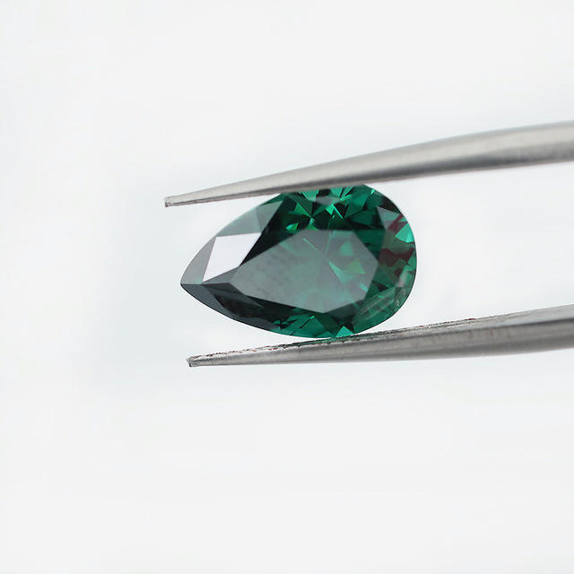 Zuanfa VVS Grade Green Pear Cut Loose Gemstone Synthetic Moissanite Stone