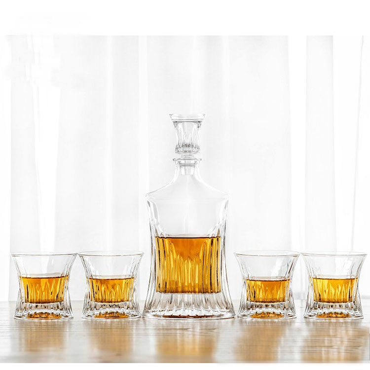 NOVARE 24 oz Lead Free Crystal Whiskey Decanter Set