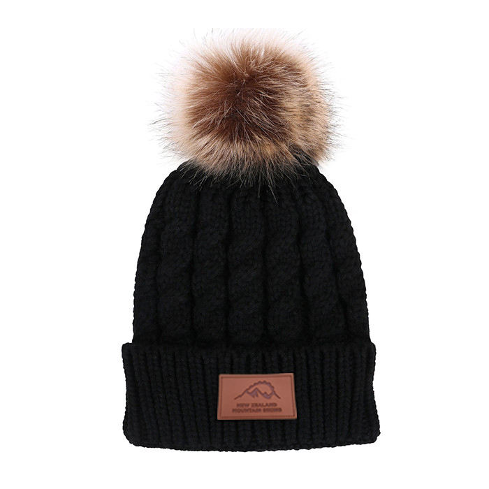 Wholesale Cashmere Knitted Beanie Hats Custom Leather Patch Women Knitted Fashion Pom Beanie