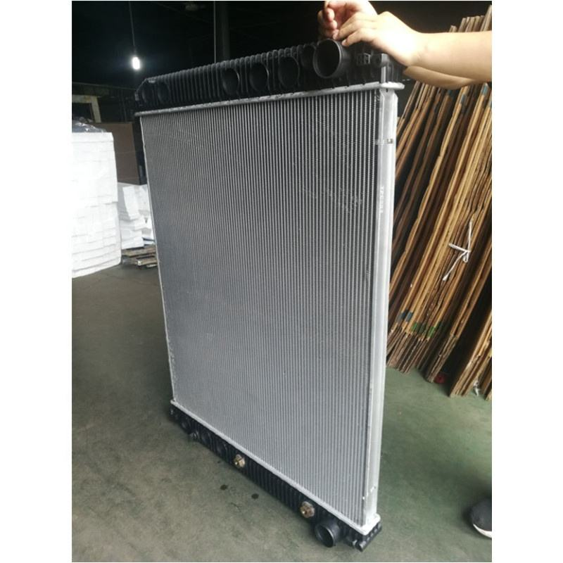 VOLVO truck used radiator supplier water tank manufacture in China SPI 2001-4609