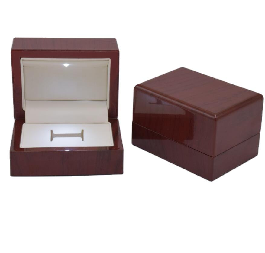 2020 hot sale wooden Jewelry Box with rubber coating for ring earring pendant necklace cufflinks bangle bracelet studs