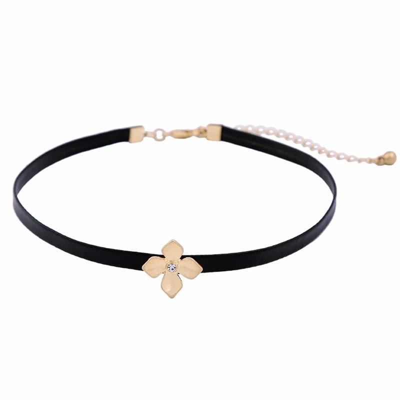 xl02118 Simple Stylish Wholesale Black Leather Artificial Gemstone Crystal Flower Shaped Choker Necklace For Party Women