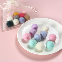 2020 new fashion pet products Wool ball Organic Felt Cat Toy Balls colorful 10pieces/bag 2cm