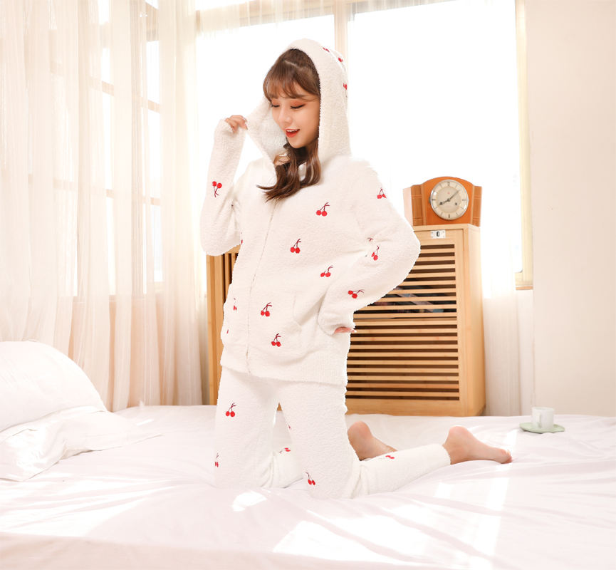 Soft cotton fleece home service female 2020 autumn and winter strawberry embroidery cherry zipper cardigan hooded pajamas set