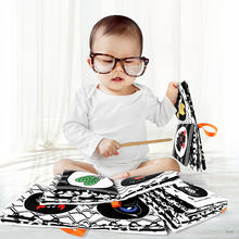With hanging hooks 4pcs black and white  early educational kids jolly baby album memory soft fabric children cloth book