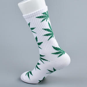 Wholesale High Quality Fashion Cotton Colorful Cheap Weed Socks Long