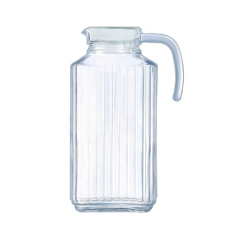 Hotel specific high capacity 2L restaurant beer pitcher shatterproof clear plastic water pitcher with lid