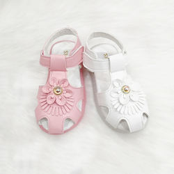 Factory Spot Wholesale Girl Pink Sandals Hollow Design Breathable Lights Shiny Kids Sandals