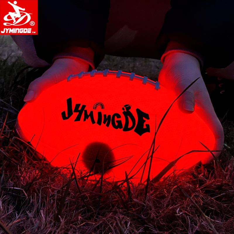 Luminoso glow in the dark due ad alta luminoso LED luci di palla di gomma di calcio luce up di football Americano