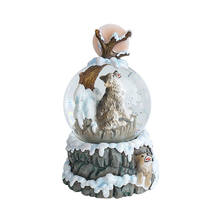 New Design Howling Wolf Standing on the Snowy Rock Snow Globe Resin Water Globe Gift