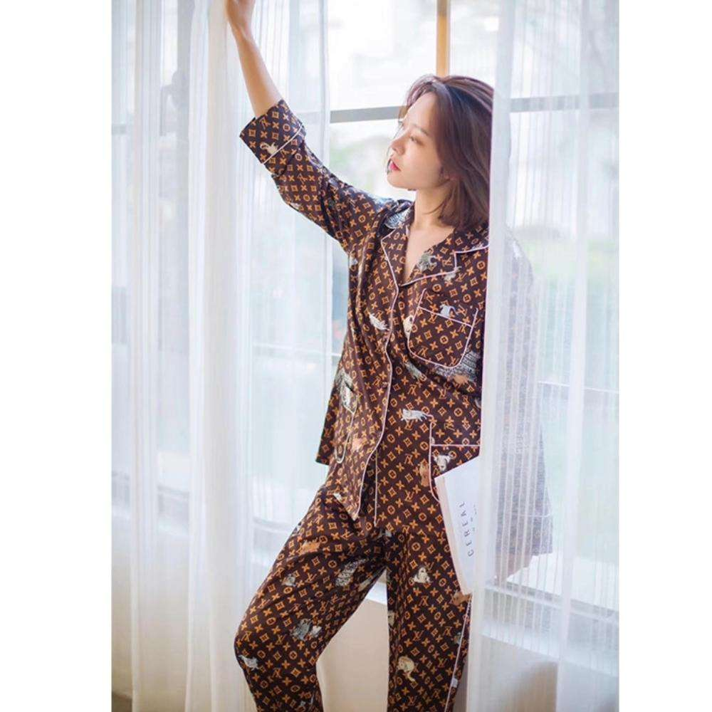 wholesale branded ice silk long printed lady pajamas for spring & fall