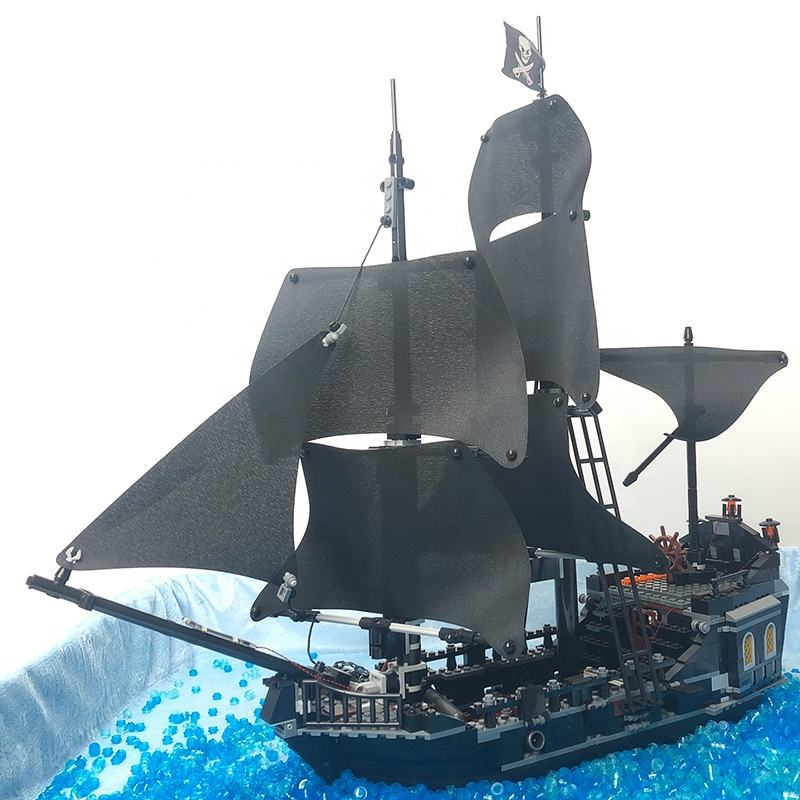 IN STOCK le go Caribbean Pirate Black Pearl Ship building blocks with 4184