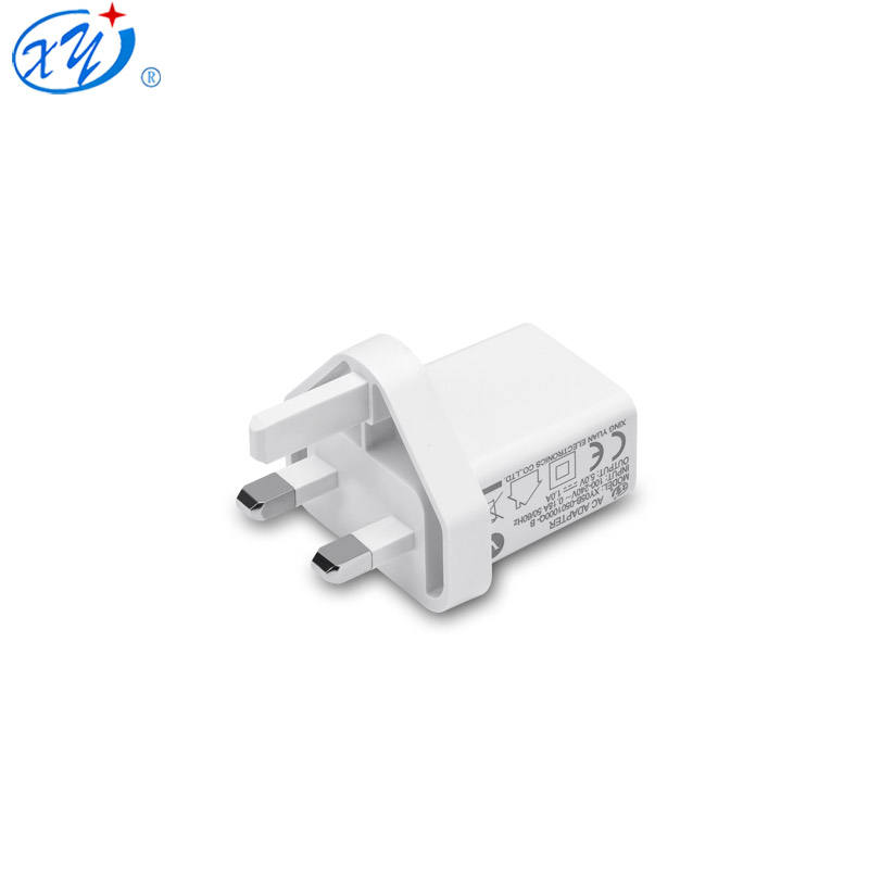 Wholesale Warna Putih Universal 5 V 2.1A USB Charger UK Plug Adaptor AC