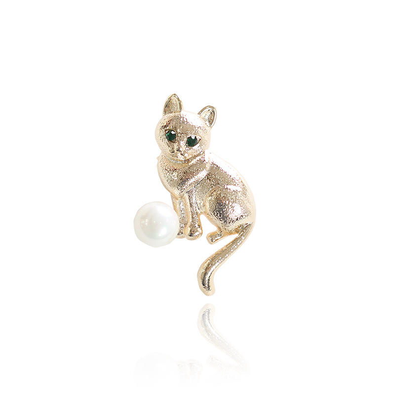 Wholesale Gold Cat Brooch with Pearl