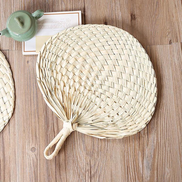Free Sample 100% Biodegradable Eco Friendly Braided Souvenir Hand Fan Leaf Palm Leaf Hand Fans for Decoration