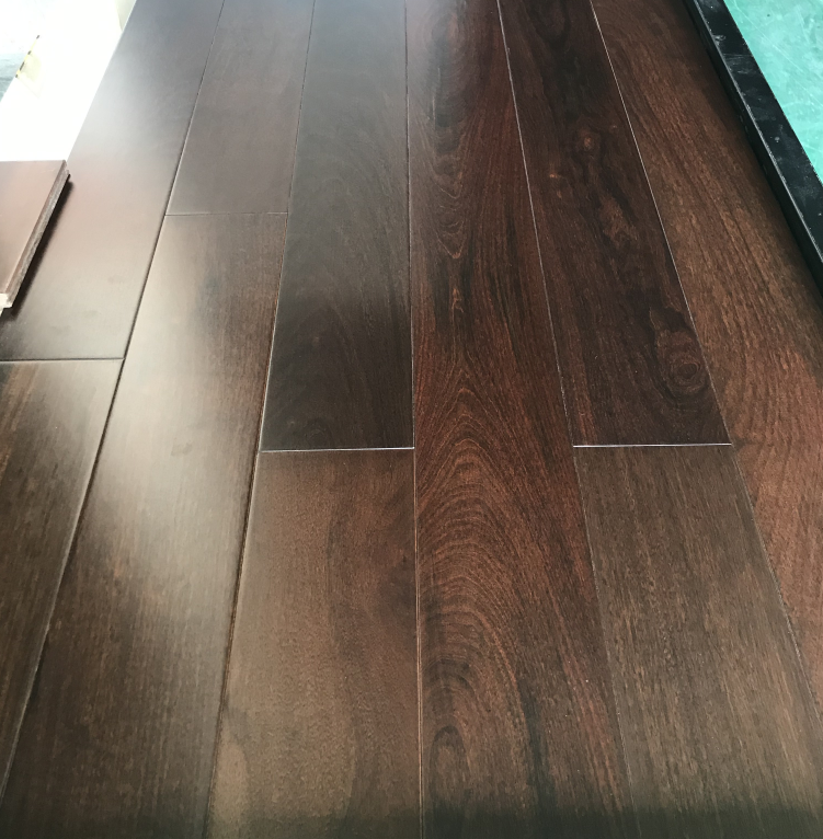 Solid Ipe flooring 18x125xRLmm AB grade high gloss stained color UV lacquer