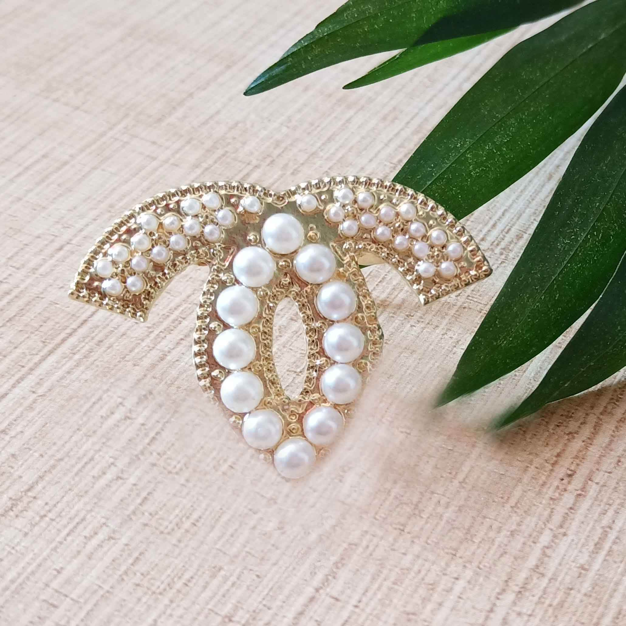 Amazon Hot sale pearl gold metal brooch for women