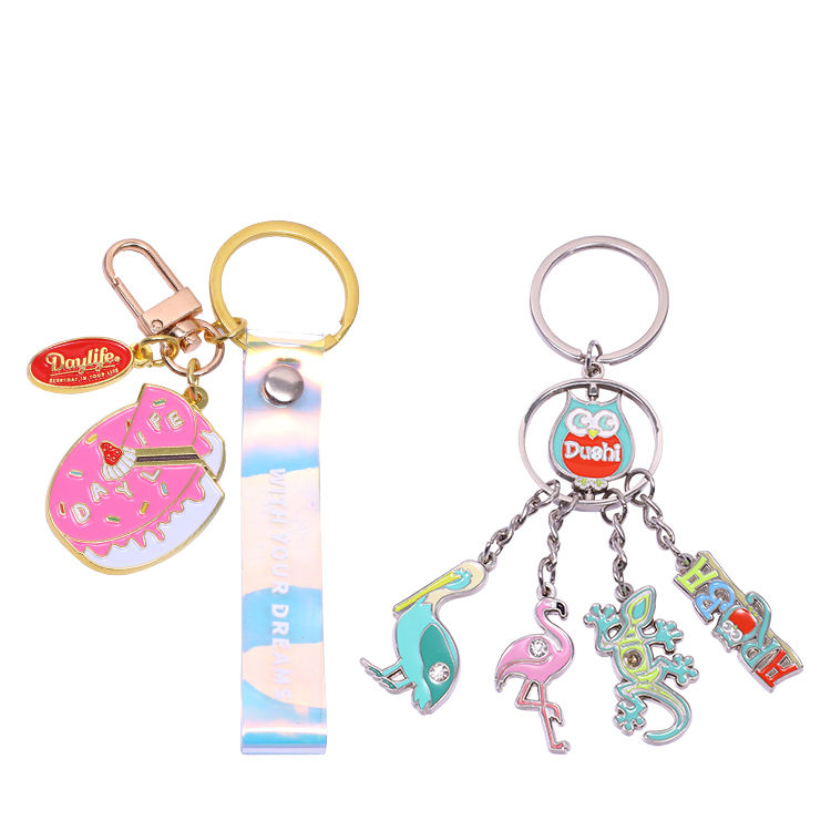 Factory cheap brands cartoon cast beer functional customized metal keychain