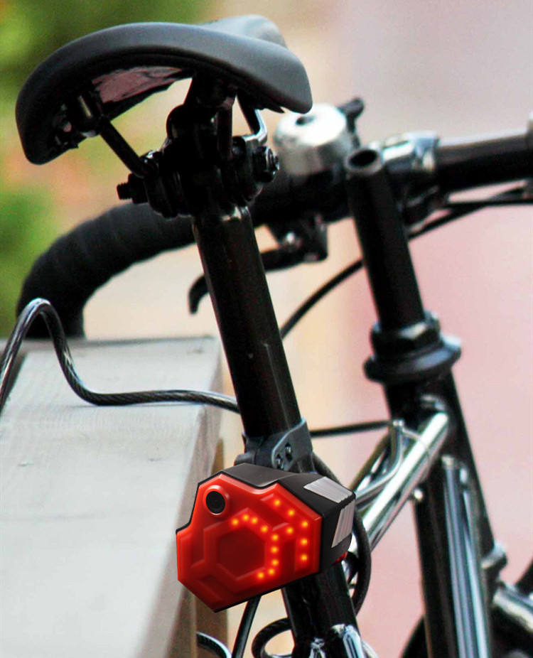 bicycle rear view camera with wifi real time recording tail light remind