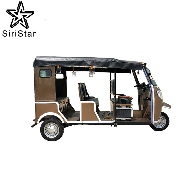 3 wheeler auto rickshaw hood y Espaà a los traficantes en Nueva <span class=keywords><strong>delhi</strong></span>, <span class=keywords><strong>delhi</strong></span>