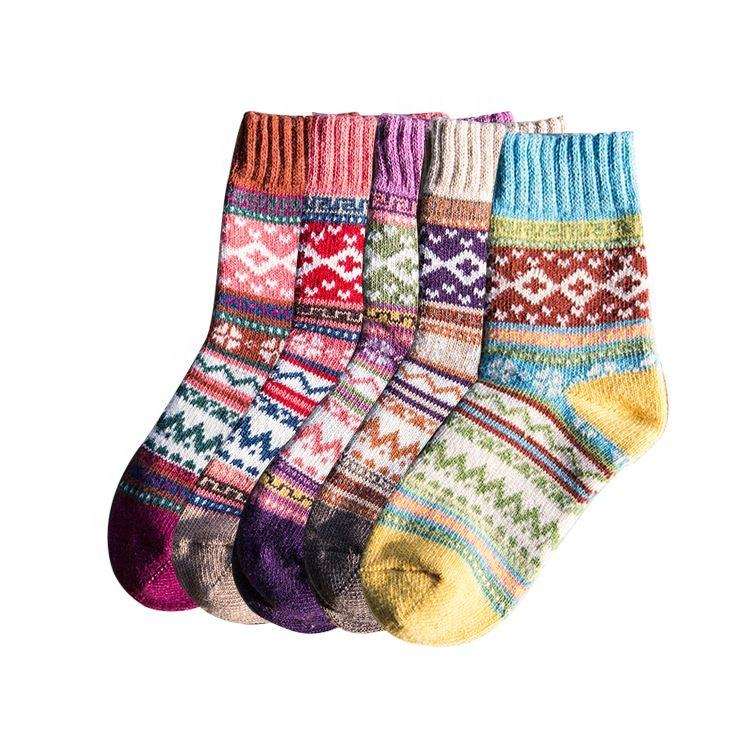 China manufacturer multicolor funky knitted socks custom logo Christmas creative happy crew socks
