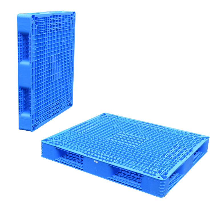 Double-plastic euro pallet with steel tube