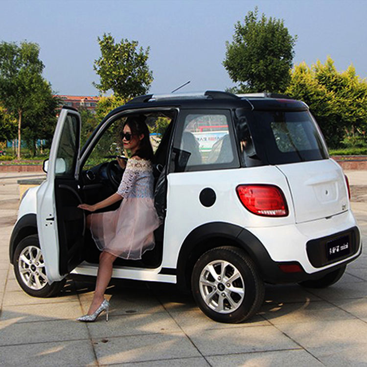High Speed Mini Electric Car 4 Seater Electric Solar Vehicle
