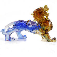 Dragon as Feng Shui Ornament Glass Art Sculpture High Quality Personalized Liuli Crystal Chinese 2019 China Folk Art Souvenir