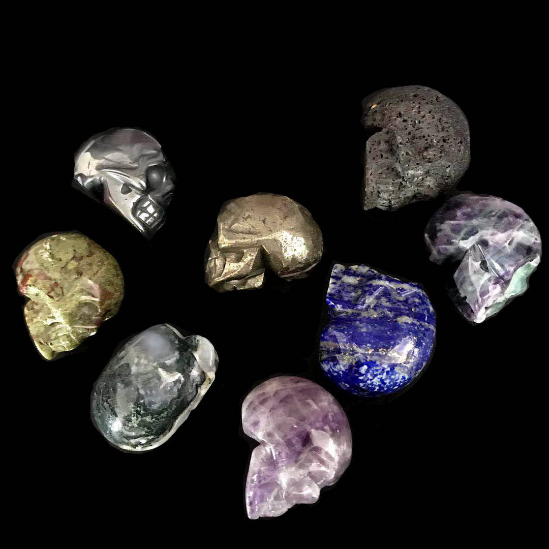 Cheap factory supplier natural different stones carved mini crystal skulls head small sculpture for healing