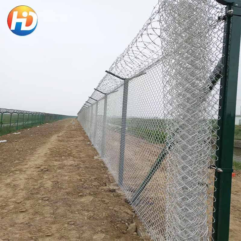 China manufacturer hot dipped galvanized chain link fence Factory Direct Price