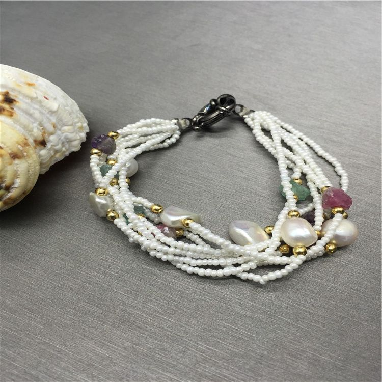 China factory wholesale fashionable new designs multilayer acrylic bracelet women