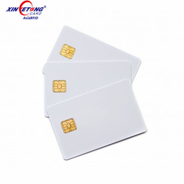 Di alta Qualità IN PVC RFID Contatto IC Smart Card In Bianco con sle 4442 Chip