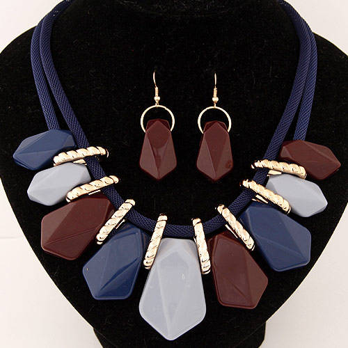 Fashion Vintage jewelry set Resin statement necklace and earrings set have stocks wy13080642