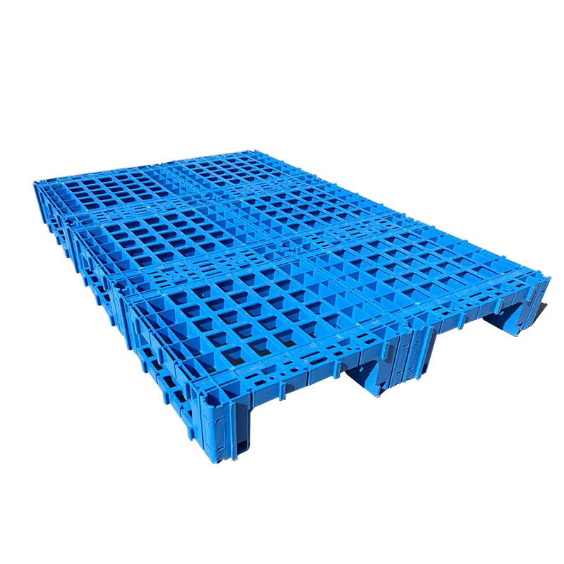 Large splicing type plastic pallet for steel plate