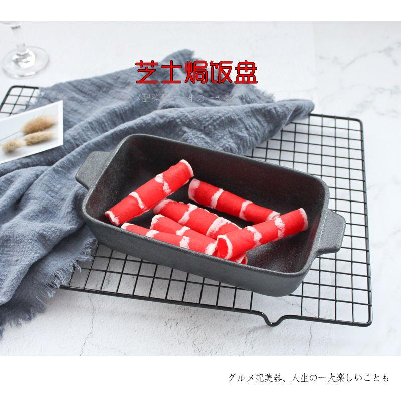 Fabricants simple moderne de haute qualité 8 pouces poignée en céramique noire cocotte fromage plaque