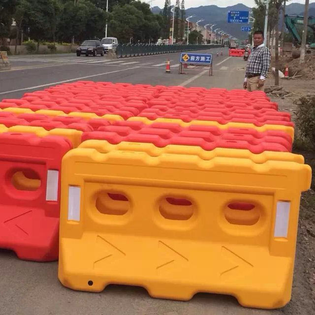 roadway products traffic safety water filled barrier high quality road safety barrier high way used safety barrier