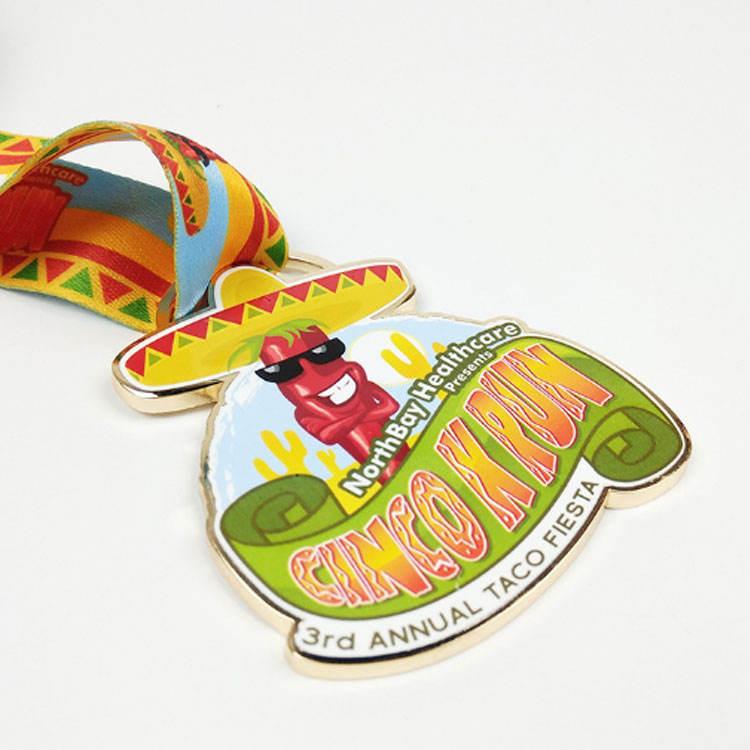 Personalizzato economici sport correre medaglia commemorativa in metallo per il <span class=keywords><strong>vincitore</strong></span>