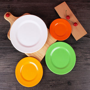 Hot Selling Round Colorful Food Grade Melamine Plates With Different Models Customizable Portable For Kitchen Use BPA Free