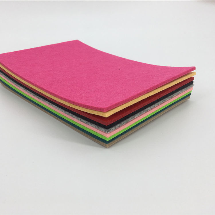 Manufacturer 100% color Polyester/Needle Punched Non-woven/Fabric/Cloth/Felt