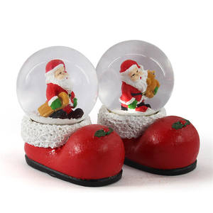 Promo custom LED Christmas Water Globe Santa Claus Snow Ball Christmas Stocking Base resin polyresin red crystal shoe snow globe