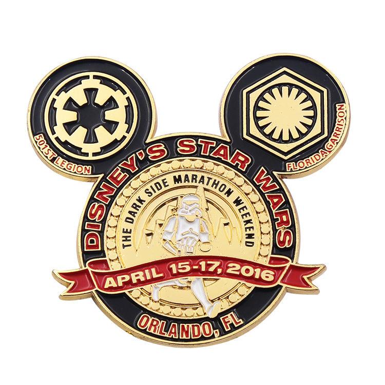 Benzersiz özel metal yumuşak emaye sevimli disney hareketli sürgülü emaye pimi ile kişiselleştirilmiş logo